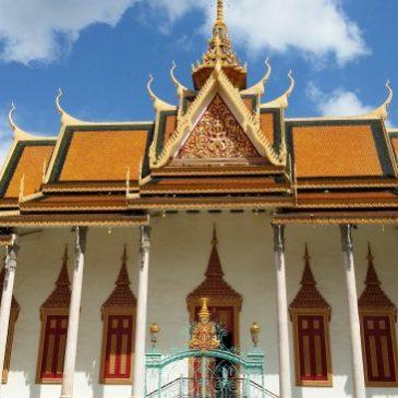 Phnom Penh : El Palacio Real y la Historia del Chino Muerto