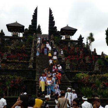 Besakih: La escalera hacia las Puertas del Cielo