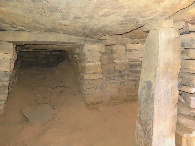 Interior de un  túmulo de Marruecos
