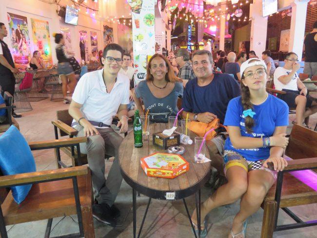 El Mundo con Ella junto a Juan López Vlogs