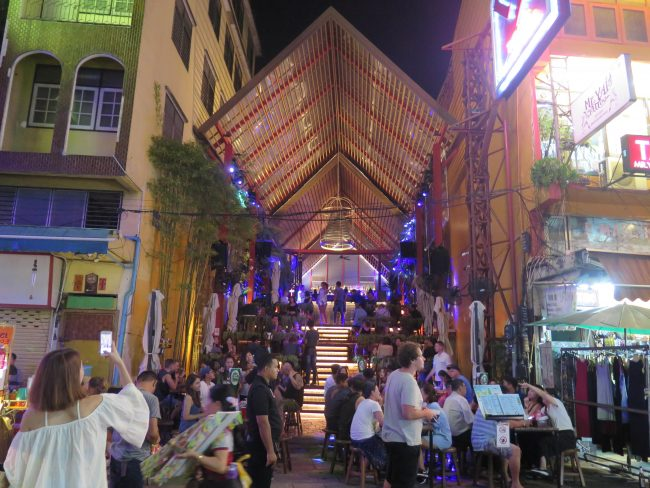Espectacular discoteca en Khao San Road