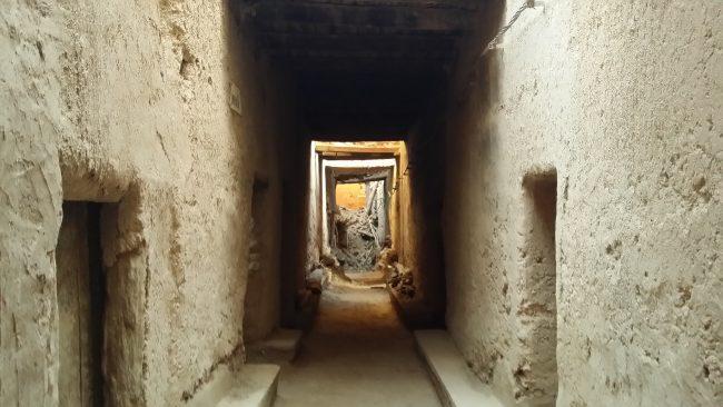 Derrumbe en un callejón de El Khorbat