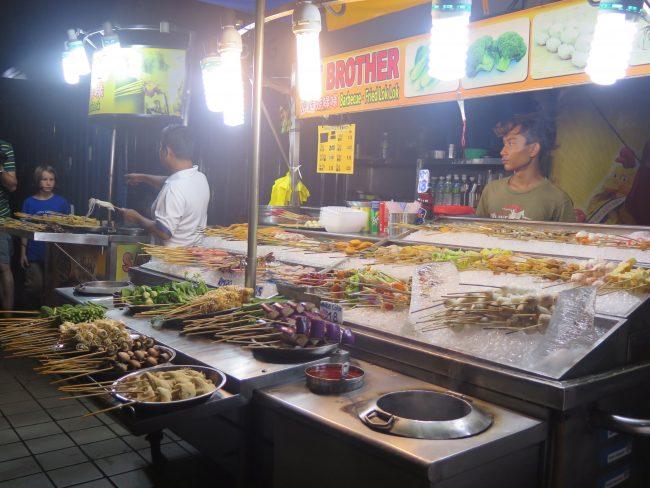 Ambiente nocturno Chinatown Kuala Lumpur