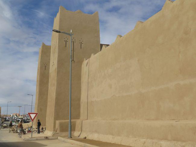Murallas a la entrada de Rissani