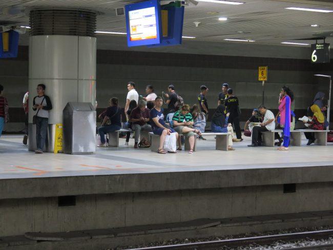 Tren de cercanías en Kuala Lumpur