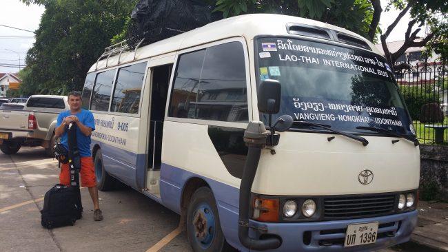 Autobuses en Laos
