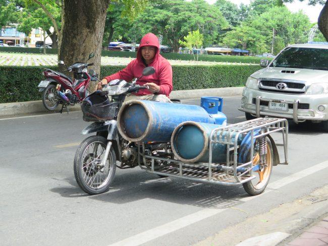 Usos de las motos en Tailandia