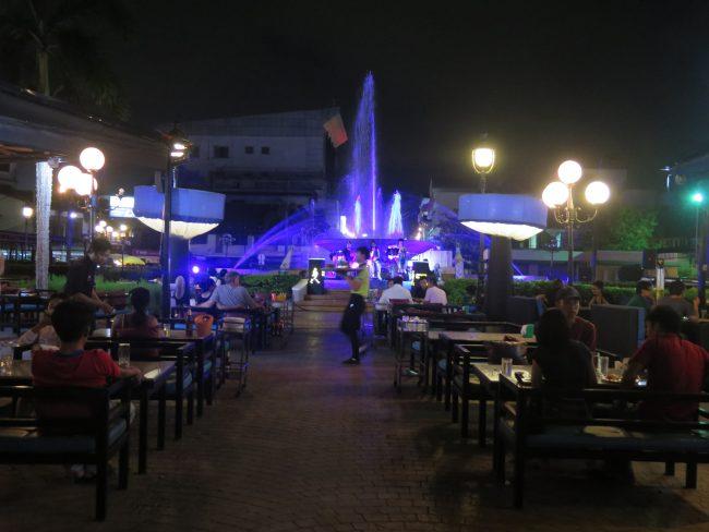 Ambiente nocturno de Vientane