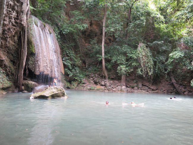 Bañarse en las cascadas de Tailandia