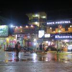 El ambiente nocturno de Vang Vieng
