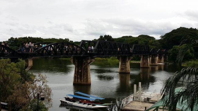 El famoso puente sobre el Río Kwai