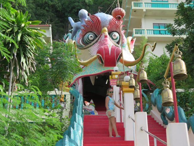 Templo del Dragón de Kanchanaburi
