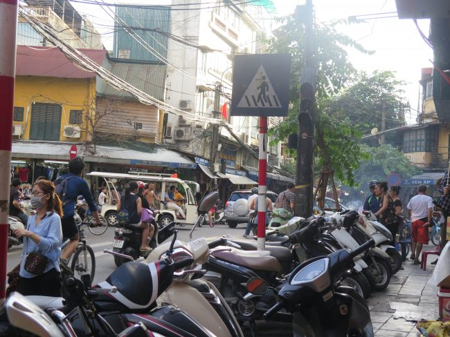 Las atestadas calles de Hanoi