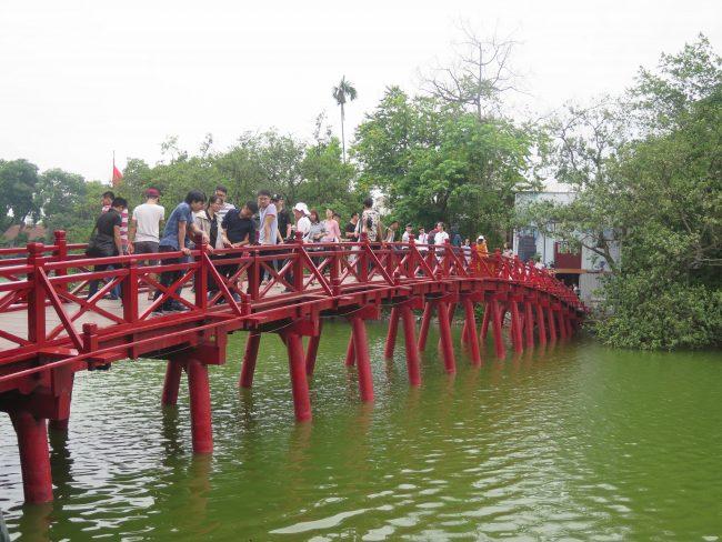 Puente Rojo del Lago Hoan Kiem