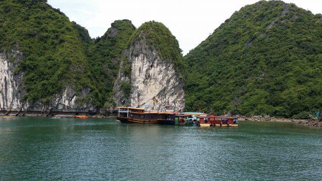 El mejor sitio para contratar un tour por Halong Bay
