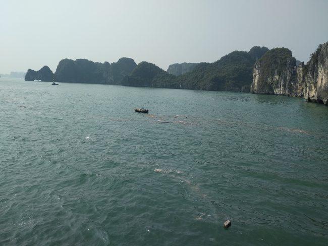 Contaminación Bahía de Halong