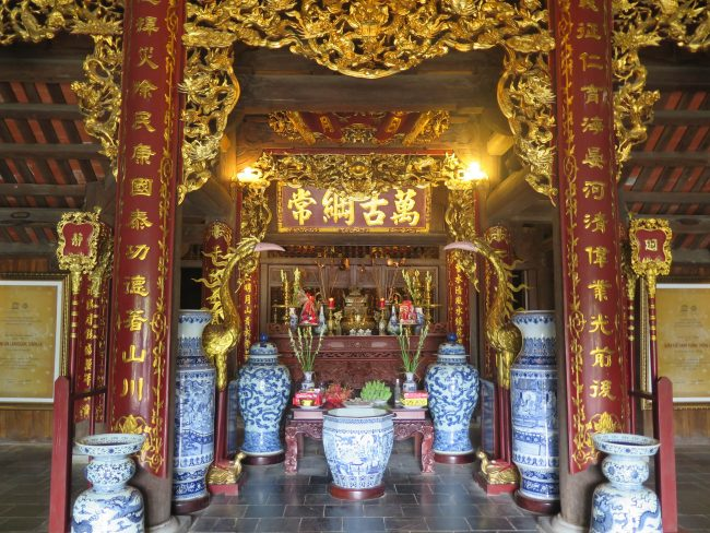 Templos de Ninh Binh