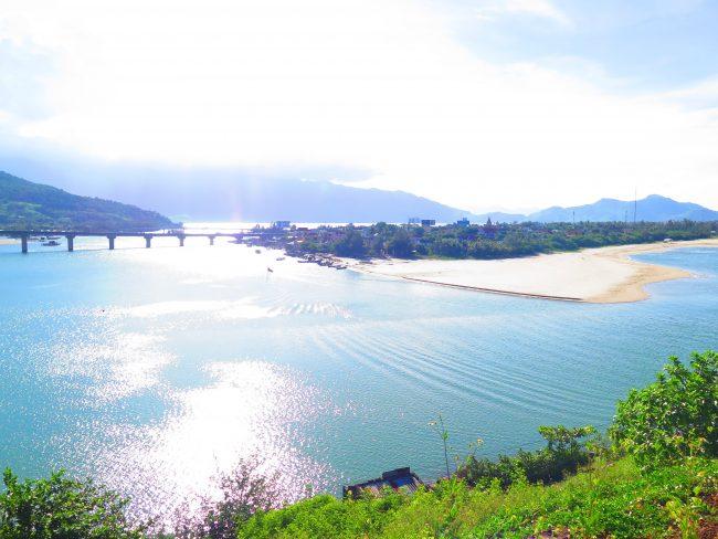 Luagares de playa turísticos en Vietnam