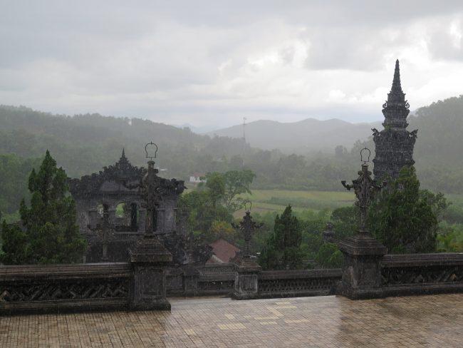 Qué tumbas imperiales visitar en Hué