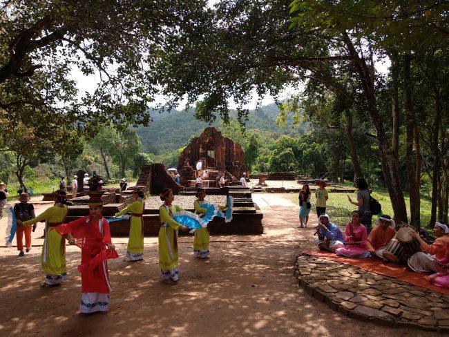 Danza tradicional vietnamita
