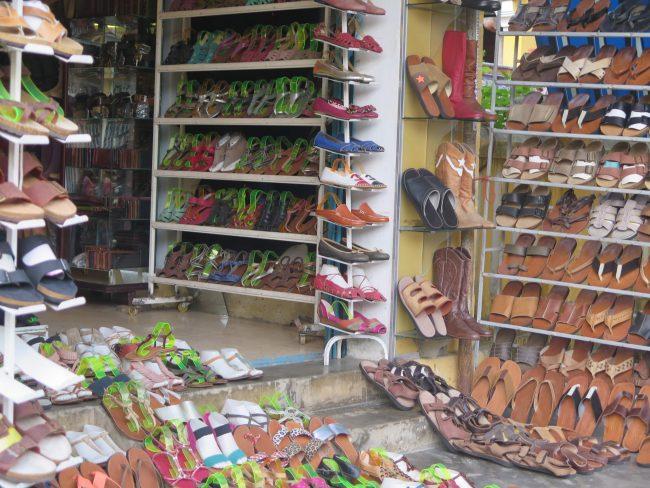Hacerse unos zapatos a medida en Hoi An