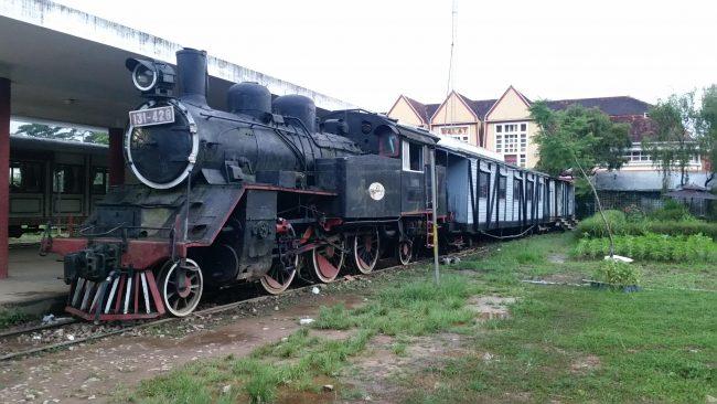 Subir a trenes antiguos en Vietnam