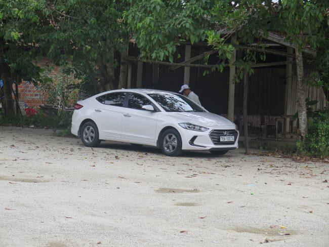 Precio coche con conductor para visitar las Tumbas Imperiales de Hué