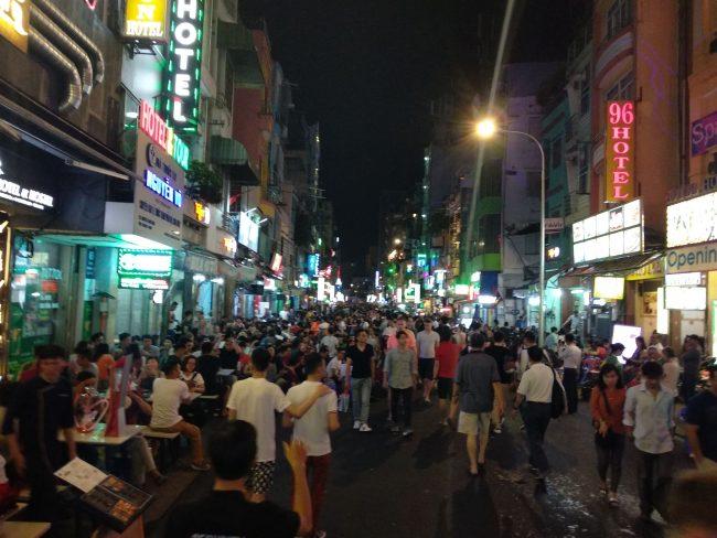 La noche de Saigón