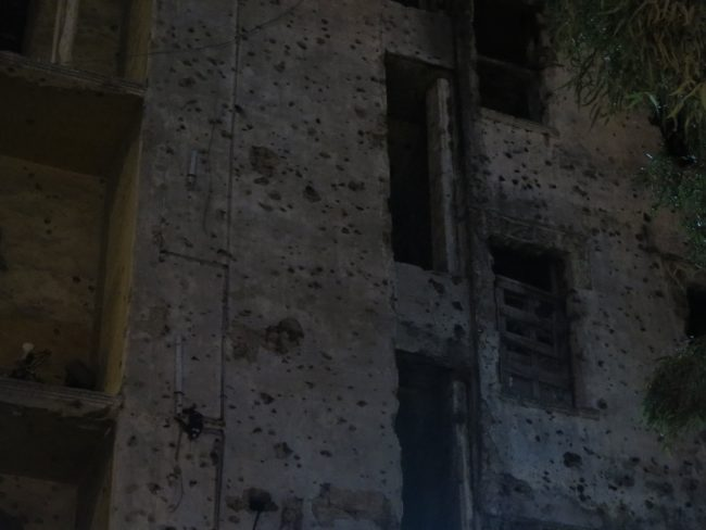 Edificios tiroteados en Beirut