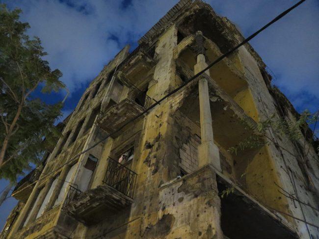 Visitar los edificios dañados durante la Guerra en Beirut