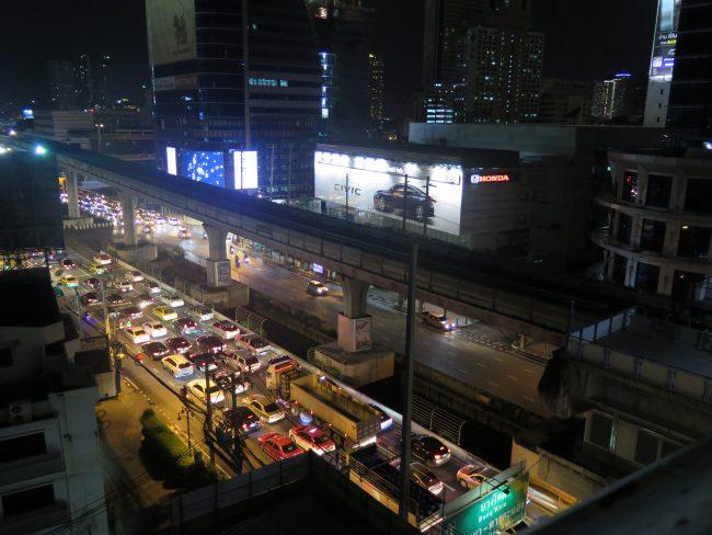 Caos en las calles de Bangkok