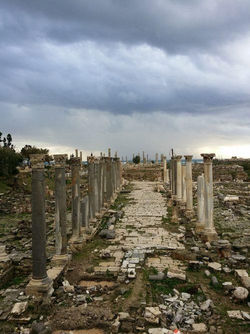 Llegar y Salir de Tiro, al Sur de Sidón