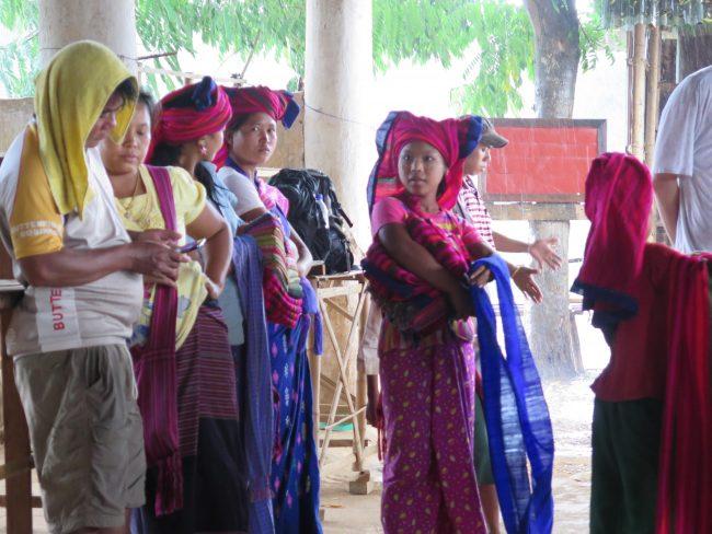 Comprar artesanía típica de las etnias de Myanmar