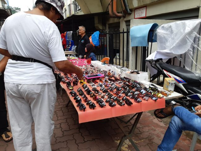 Mercado de los callejones traseros de Kuala Lumpur