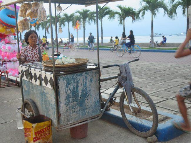 Vendedora de Balut