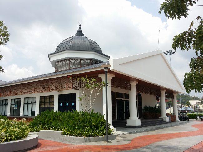 Edificio en Mersing Jetty en el que se hacen los trámites para viajar a la Isla