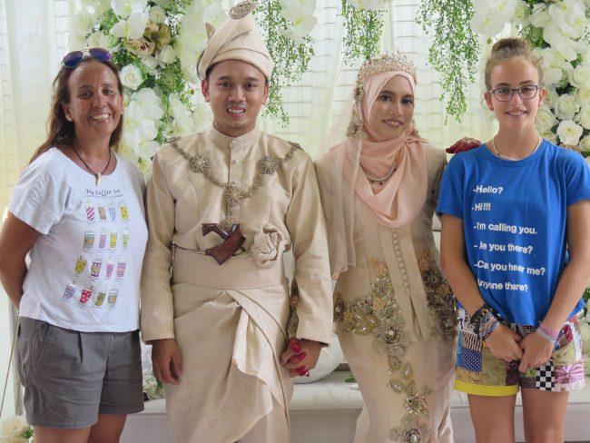 El Mundo con Ella asiste a una boda en Malasia