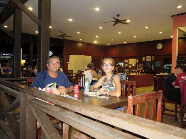 Zona de restaurante en Panuba Hotel Beach Resort