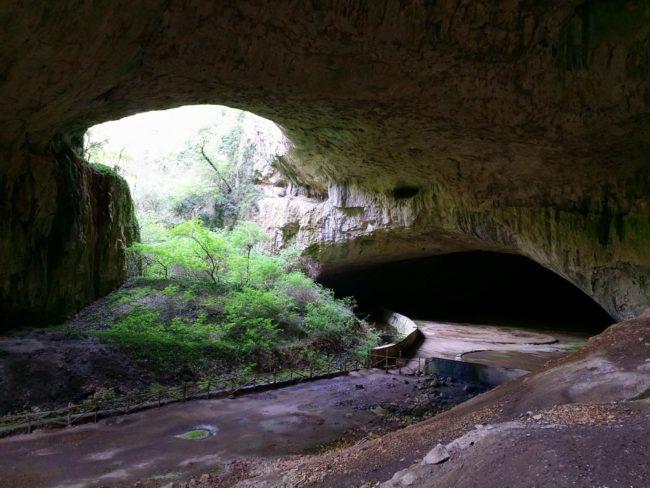 Visita a la Cueva Devetashka