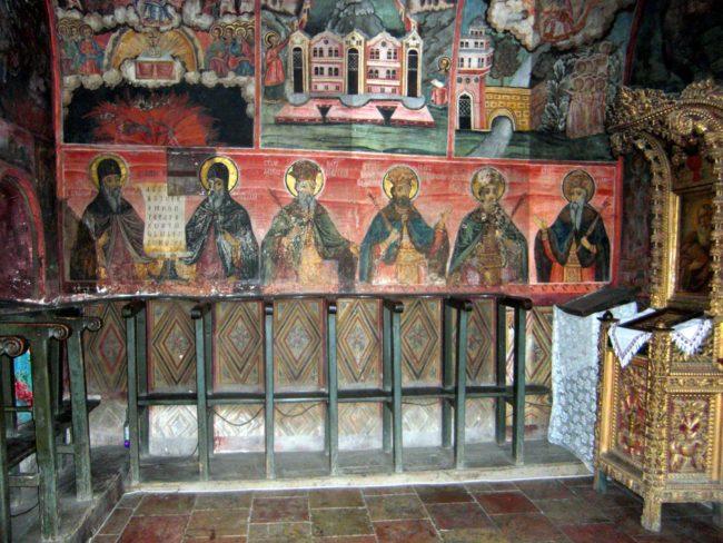 Los Impresionantes murales del Monasterio de Preobrazhenski