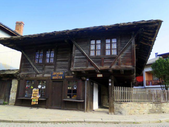 Casas de madera típicas de Bulgaria