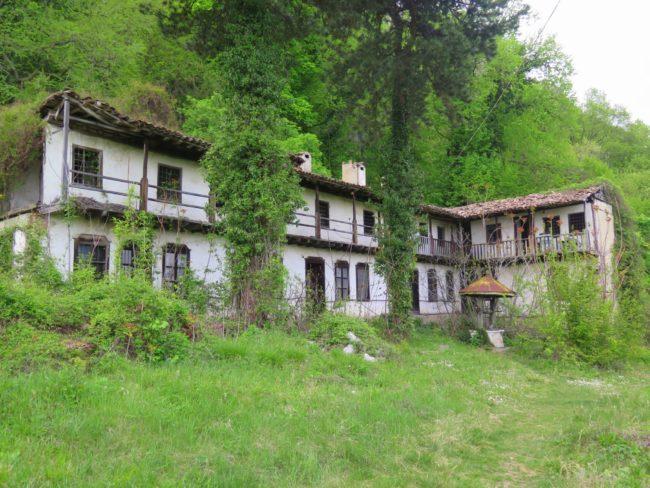Estructura de los Monasterios Medievales de Bulgaria