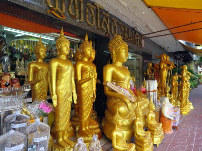 Venta de objetos religiosos en Tailandia