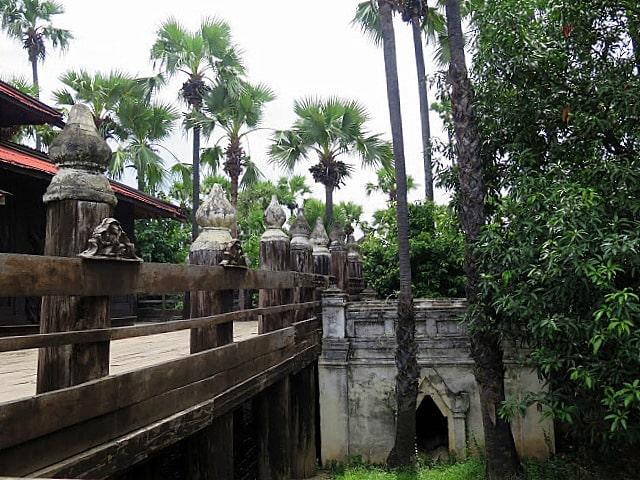 Los templos en madera de Birmania