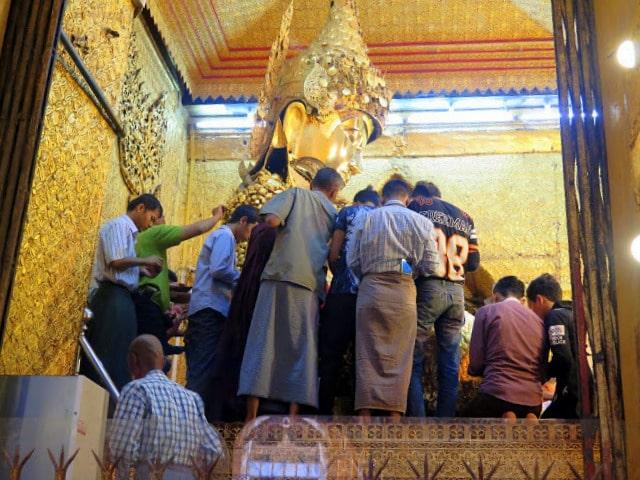 Prenda popular birmana