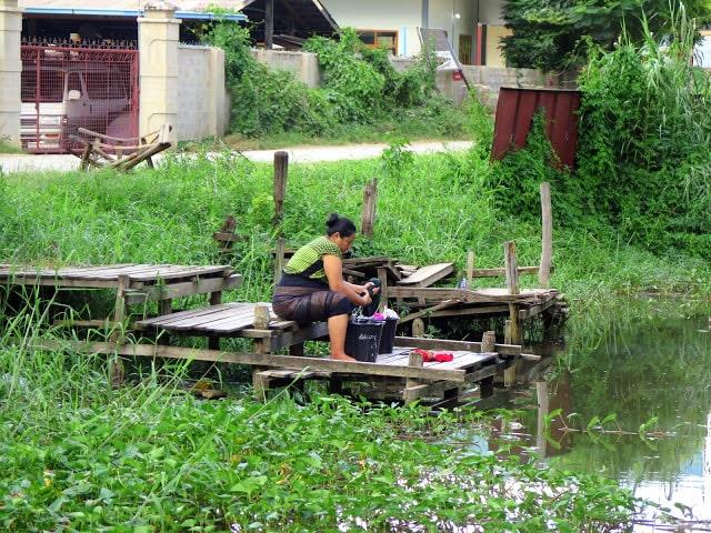 Atuendo típico de las mujeres Birmana