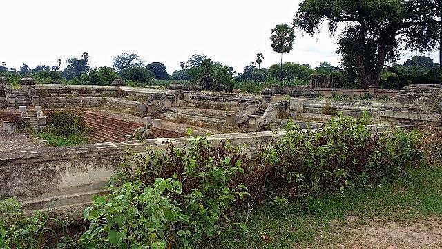 Lugares arqueológicos de Ava
