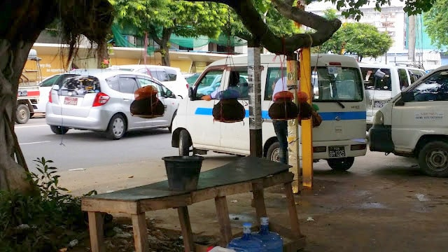 Agua en Yangón