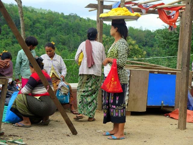 Típico pareo de las mujeres de Myanmar
