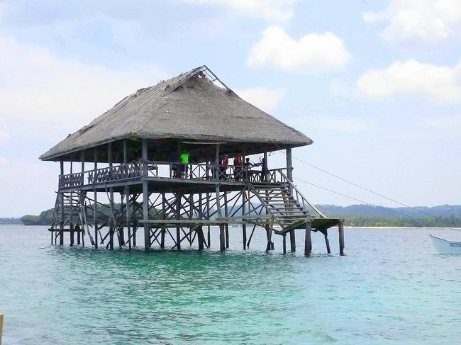 Plataforma sobre el Mar en Siargao